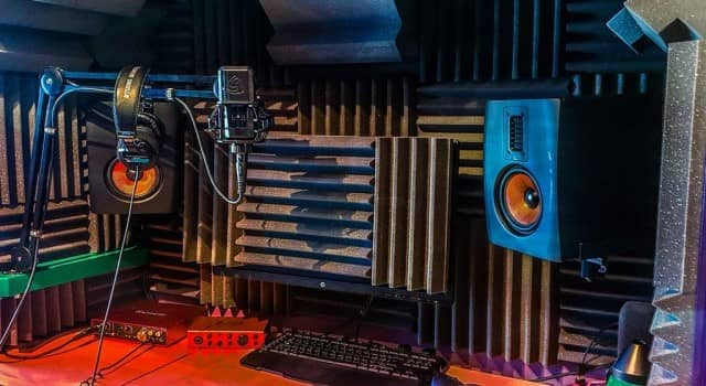 Home-made voice-over studio